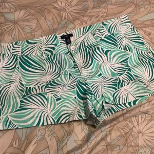 Size 16 Gap Leaf Print Shorts